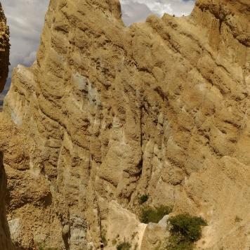 Immenses falaises d'argile