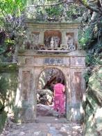Porte d'une autre grotte