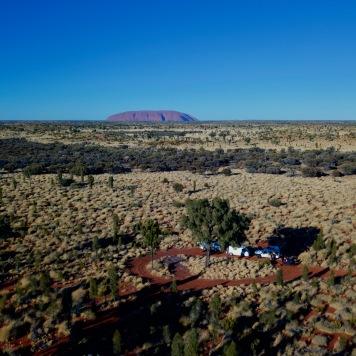 Uluru en arrière plan