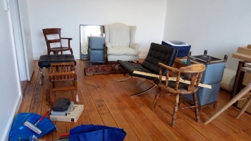 Salon ou zone de stockage temporaire
